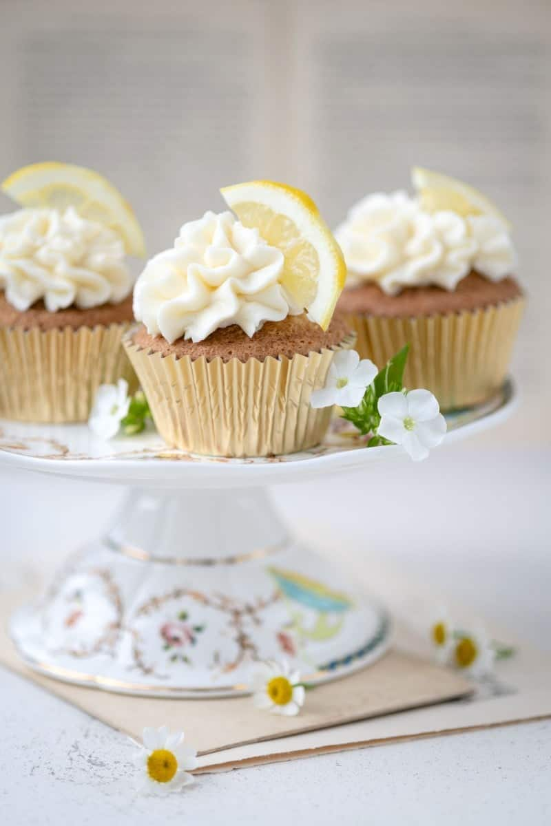Lemon and elderflower cupcakes