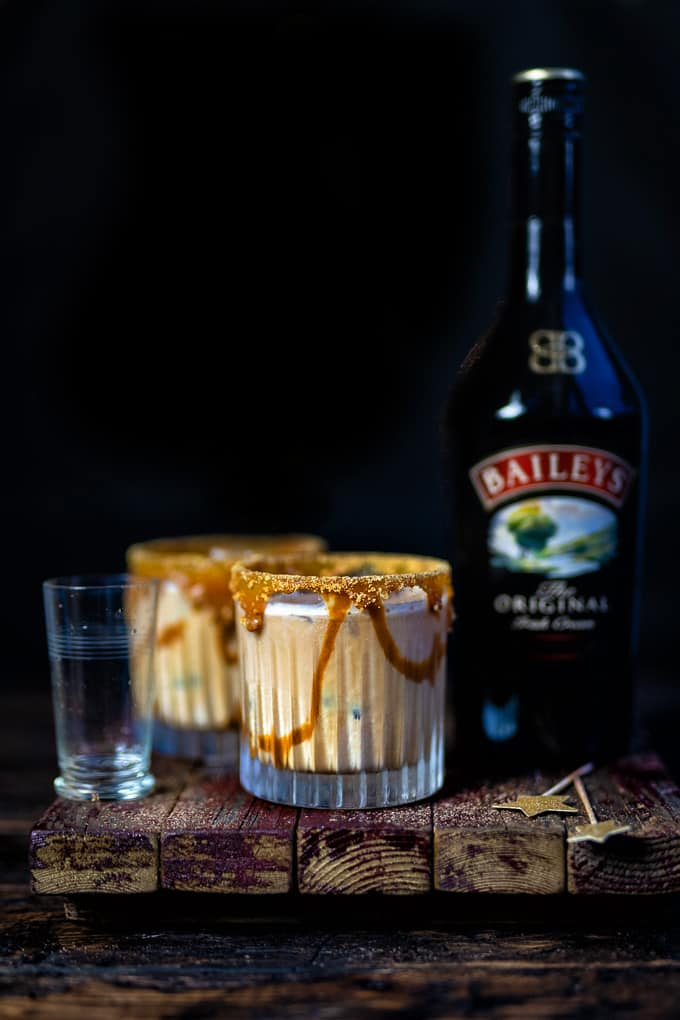 White Russian cocktail with Baileys Irish cream